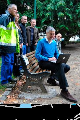 inauguration de l'accès wifi gratuit pour la mairie du puy en velay avec laurent wauquiez